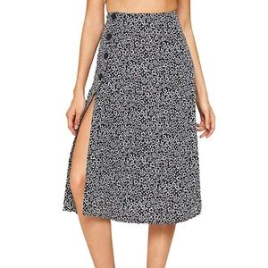 Shein Floral Button Side Slit Skirt/Size Large